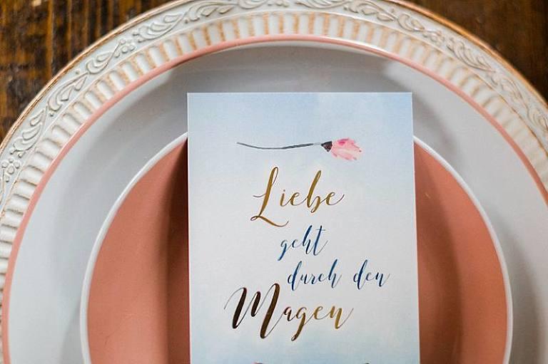 Eisblau Styleshooting Hochzeitswahn Hochzeitsfotografie Hochzeitsfotograf Hochzeitsfotografin Papeterie Blumen Hochzeitsdeko Weddingphotographer Berlin Brandenburg